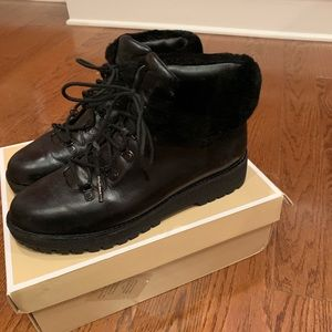 Michael Kors Shoes - Black boots with faux fur lined
